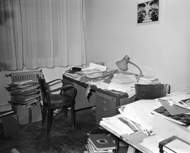 Igor Zabel's office, 1997, photo by Lado Mlekuž, Moderna galerija, Ljubljana